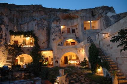 هتل های شگفت انگیز جهان - هتل غار در ترکیه