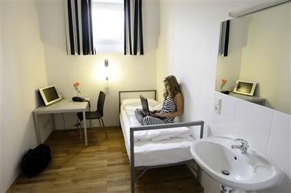 هتل های شگفت انگیز جهان - هتل زندان در آلمان