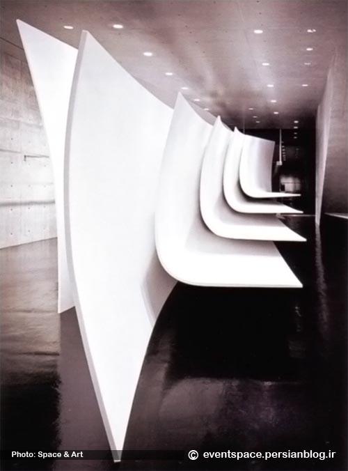 یک دیوار در یک فروشگاه - زاها حدید - A Wall In A Shop - Zaha Hadid Architects